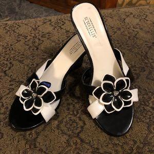 Black & white sandals by Seychelles Size 7 $25